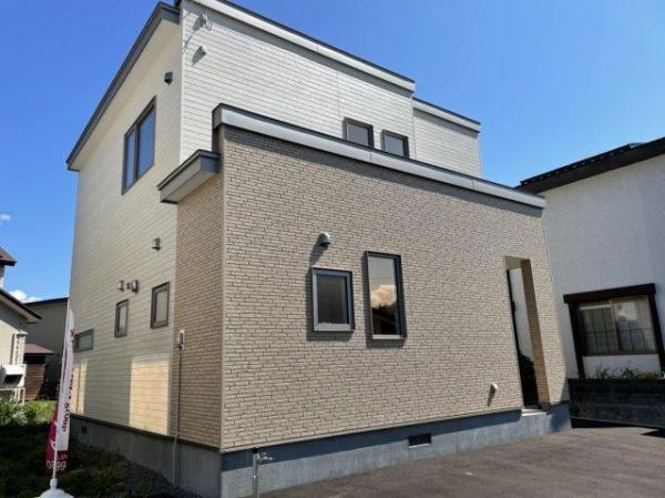 北海道恵庭市恵み野南2丁目8-1 の売買新築一戸建て物件詳細はこちら